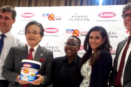 Abe (second right) showcases the latest product flanked by other Kansai Plascon officials on Tuesday